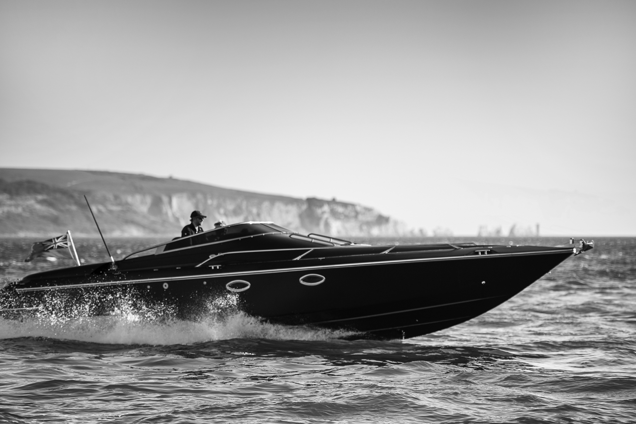 AERO power boat charters sailing from Lymington to the Isle of Wight