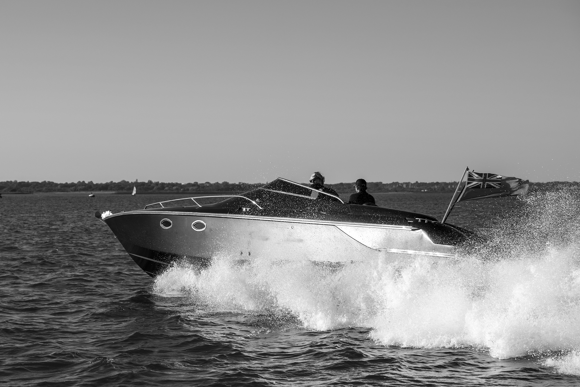 Visit the Isle of Wights with AERO Power Boat Charters Lymington